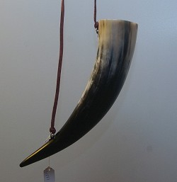 25 oz Drinking Horn (739 ml)